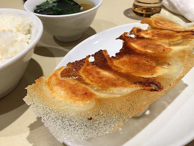 日本「焼き餃子」到底餃子還是鍋貼?