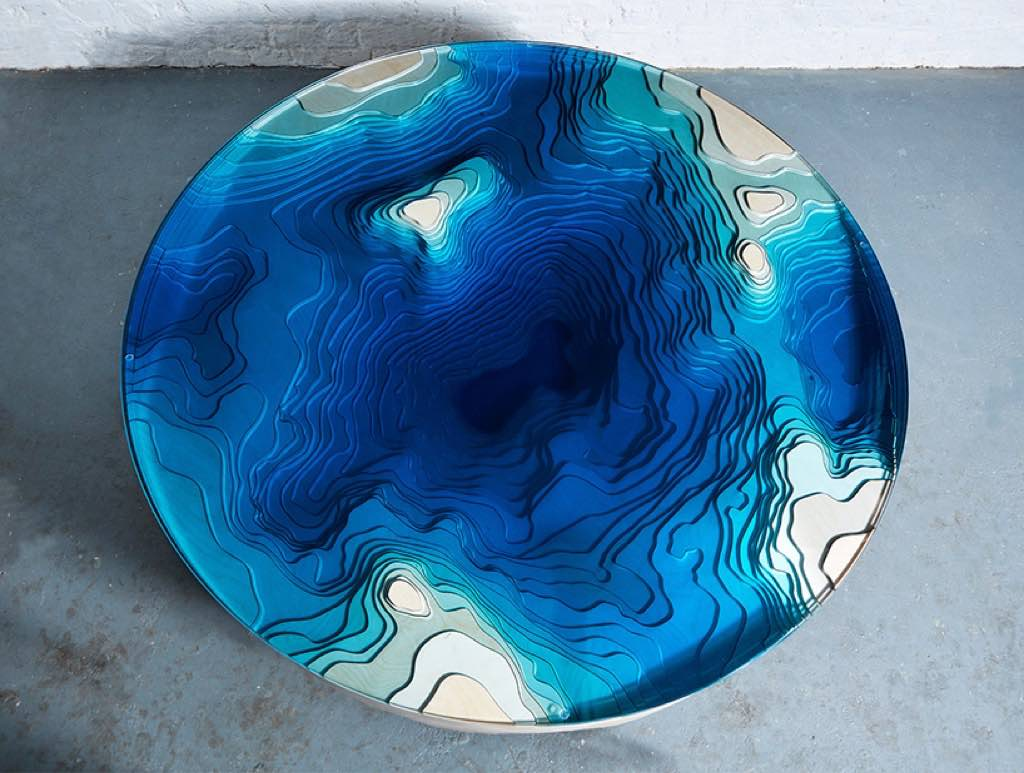 duffy-london-abyss-horizon-table-designboom-02