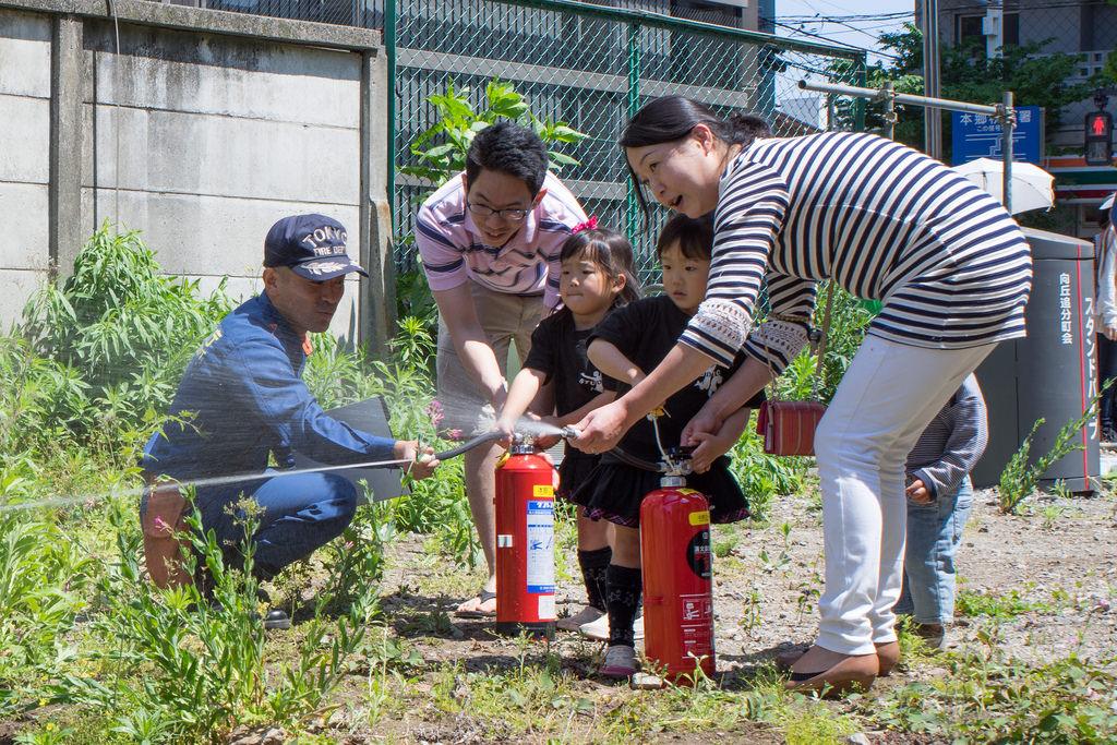蕎麥麵老闆也會打火!?看日本防災訓練如何教會國民「自己救災」!