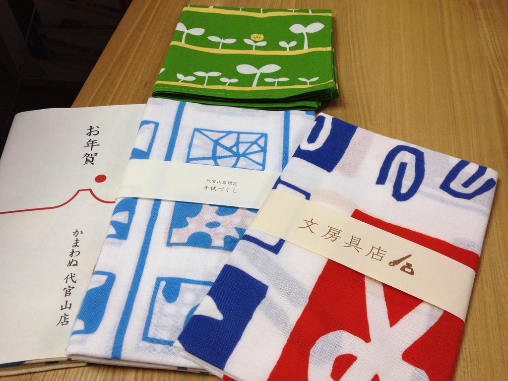 淺草雷門幾乎攤攤有賣!來認識傳統日本小物的代表作「手拭巾」~