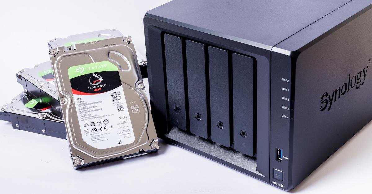 內建雙 M.2 NVMe SSD 快取插槽!最新款 Synology DS918+ NAS 開箱評測(外觀介面篇)