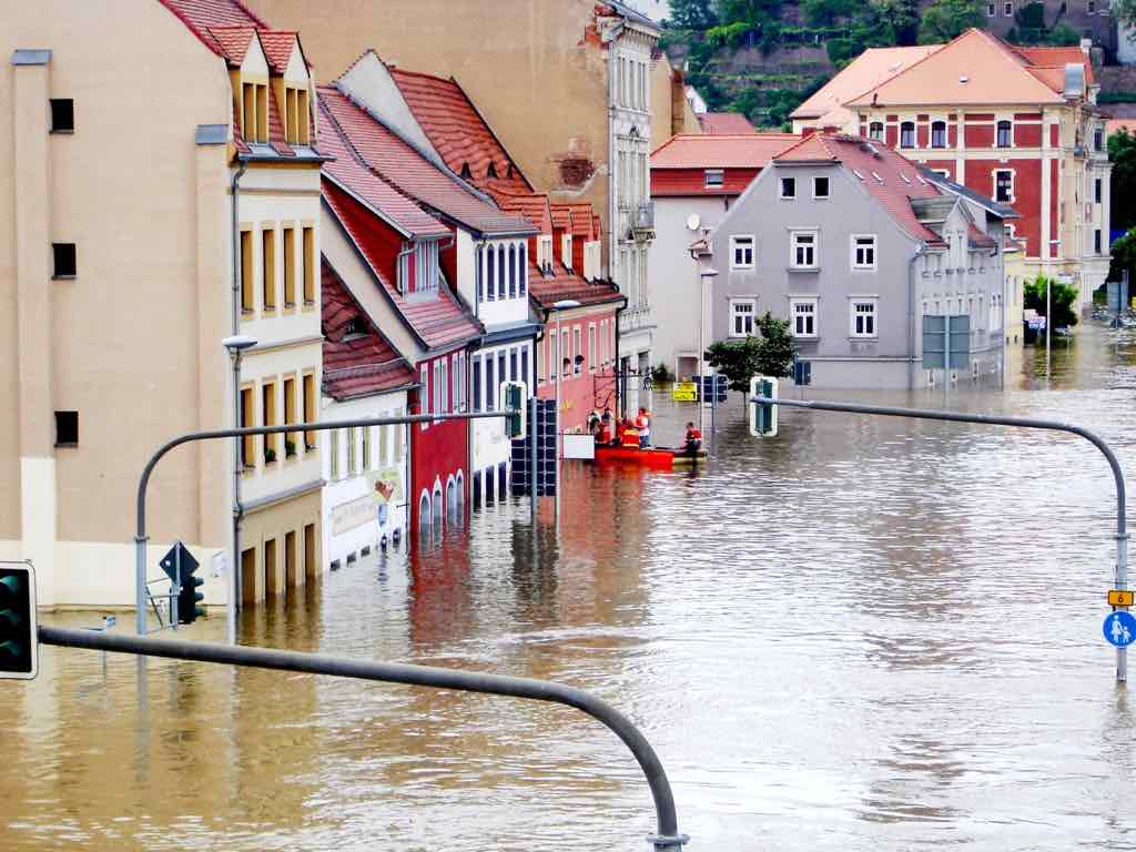 你買房有查它的「積水前科」、「淹水潛力」嗎?2網站揭祕哪些地方下雨天等於游泳天